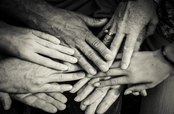Support Hands 1600x900